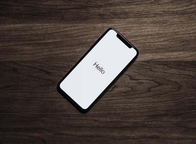 счупен-екран-на-телефон